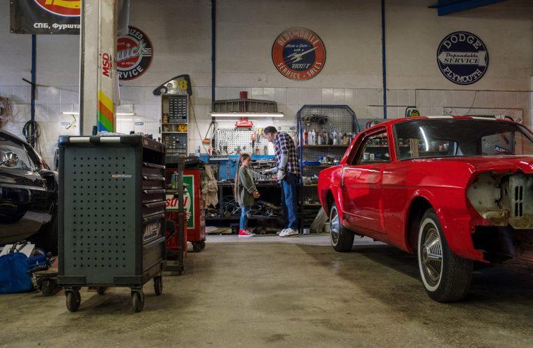 Jak wypolerować lakier samochodowy?